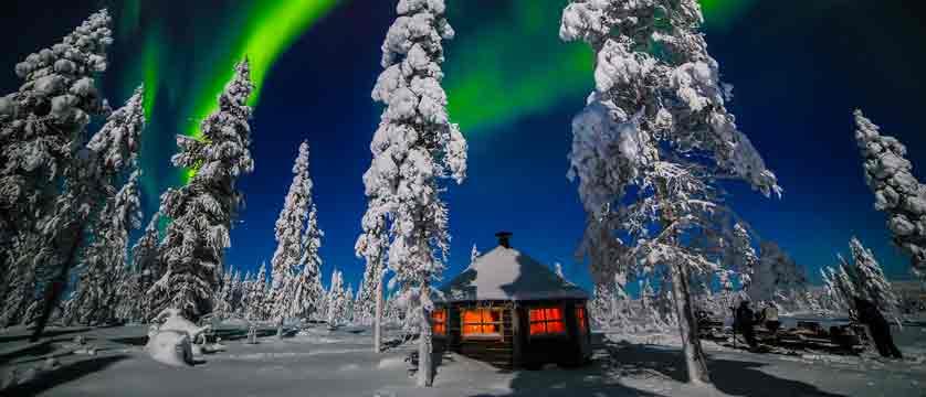 Finland_Saariselka_Muotka-Wilderness-Lodge_northern-lights-activities3.jpg